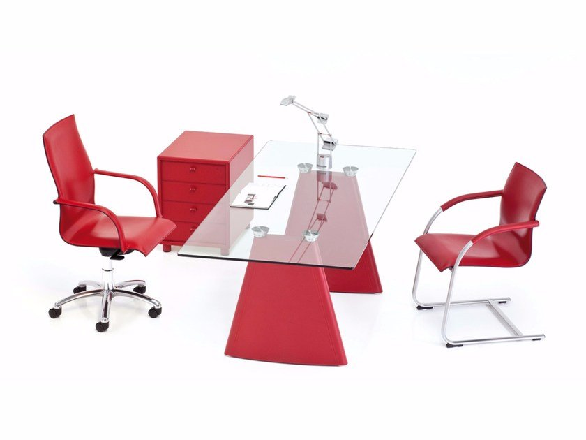 Rectangular crystal office desk PYRAMID | Office desk by Polflex