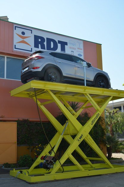 Montauto e ascensori per auto Ultimate Car Lift