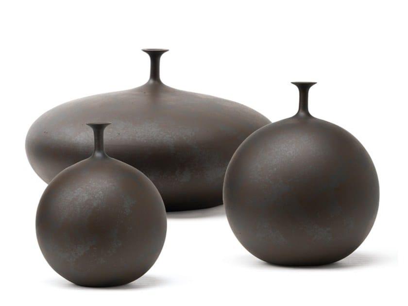 Vaso de cerâmica Q347 | Vaso by Adriani e Rossi edizioni
