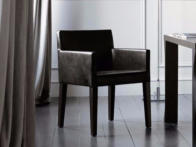 Easy chair with removable cover with armrests QUADRA by Casamilano