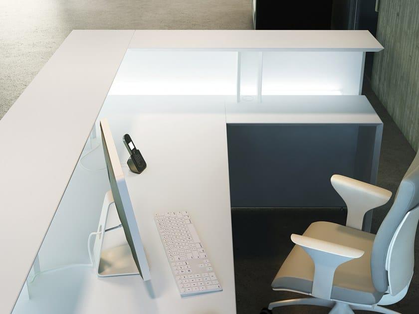 Banco reception per ufficio con illuminazione quaranta5 for Reception ufficio