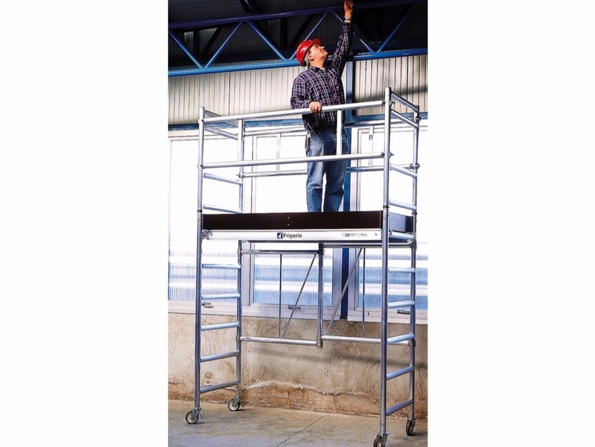 Mobile scaffolding for construction site QUICKLY by Frigerio Carpenterie