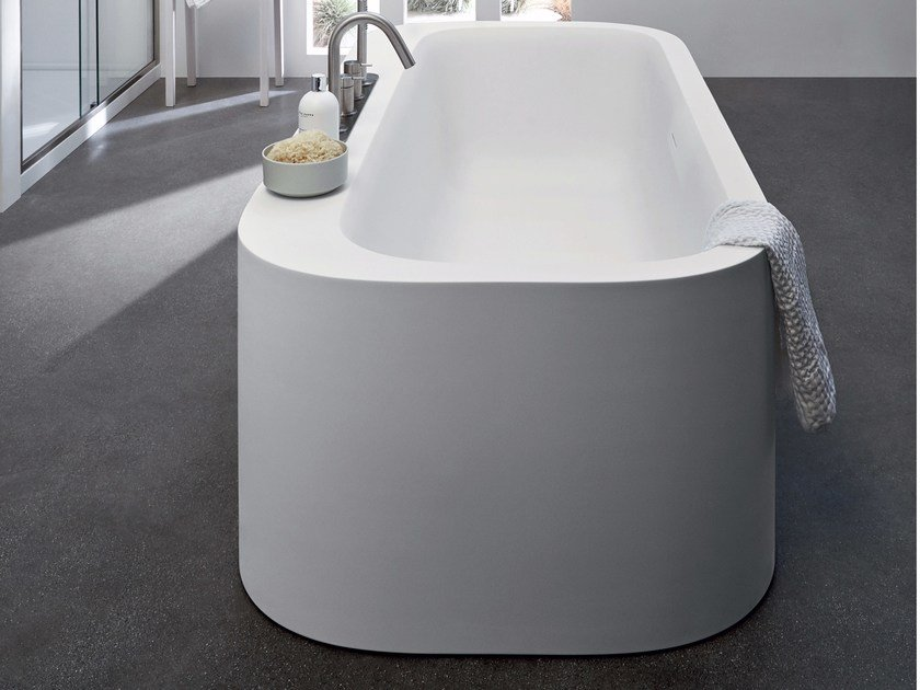 Freestanding oval Corian® bathtub R1 | Freestanding bathtub by Rexa Design