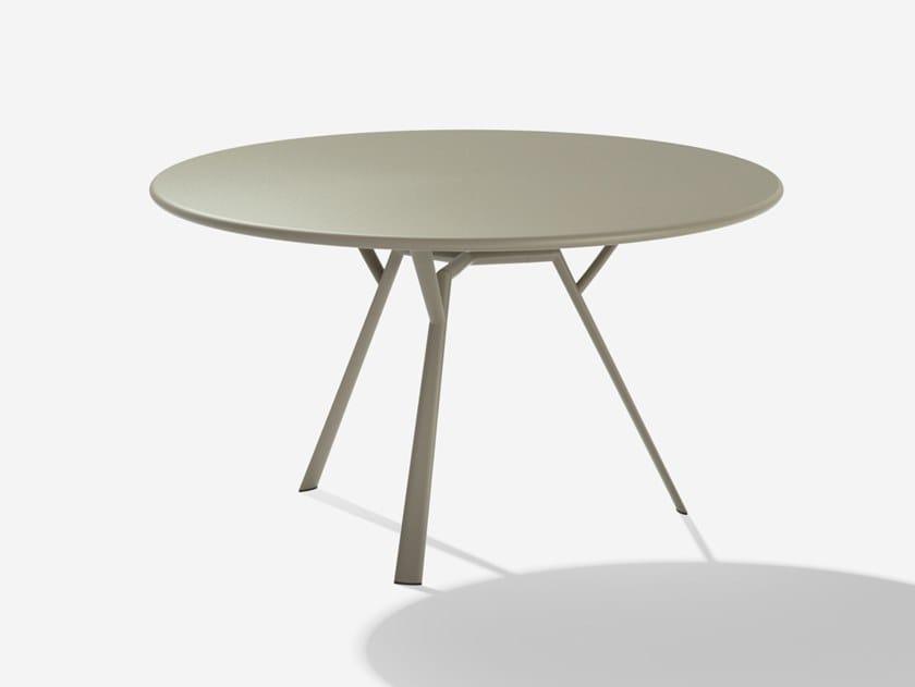 Round aluminium garden table RADICE QUADRA   Round table by FAST