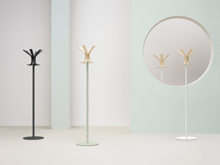 Wooden coat stand RAY by PEDRALI