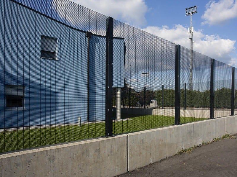 Welded mesh fence RECINTHA® SAFETY by NUOVA DEFIM