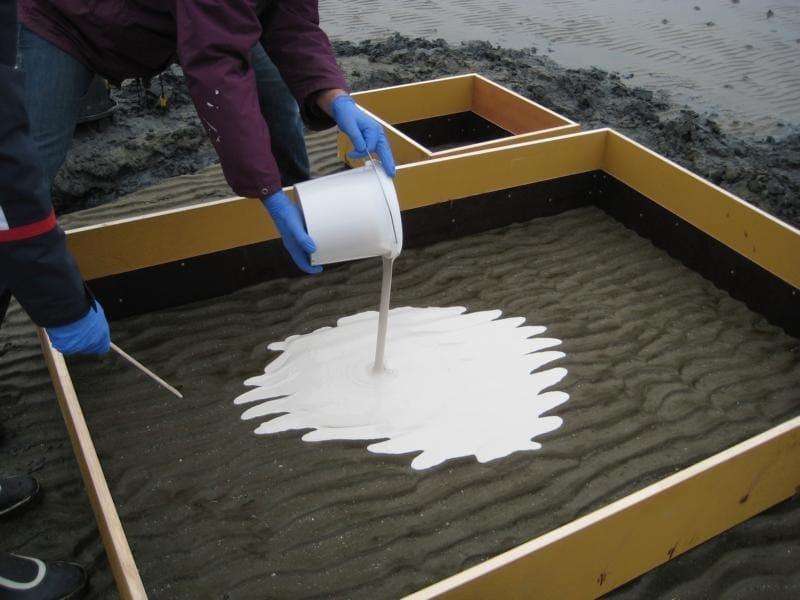 Colata di Massa Siliconica 6.25 sulla sabbia