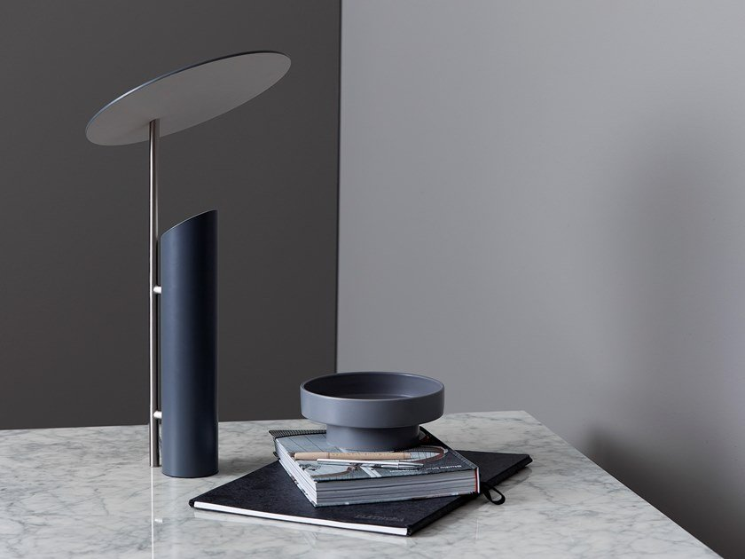 Steel table lamp REFLECT by Verpan