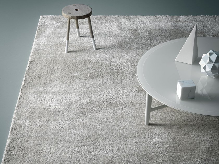 Solid-color polyester rug REST by Md House