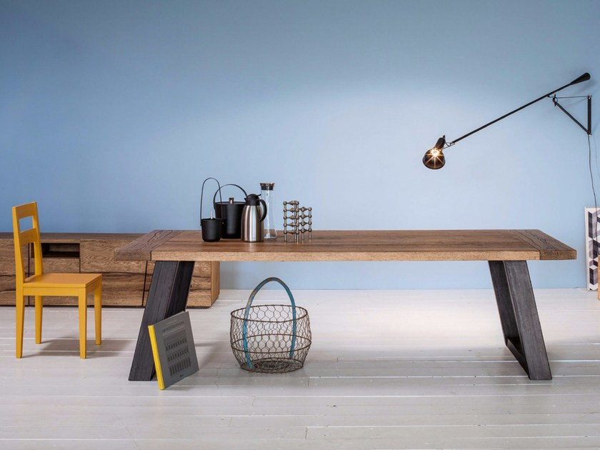 Rectangular solid wood table REVERSE by Devina Nais