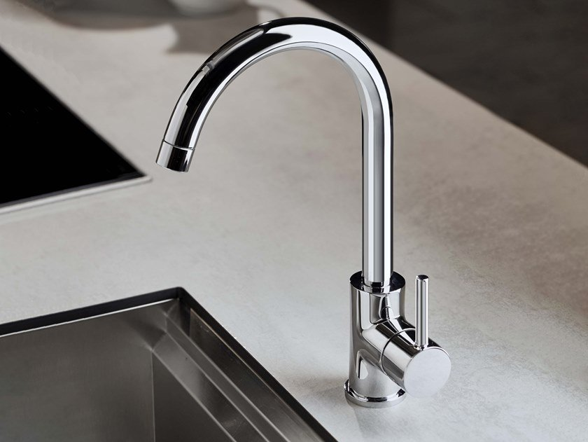 Contemporary style metal kitchen mixer tap with swivel spout with pull out spray REVERSO | Kitchen mixer tap by RITMONIO