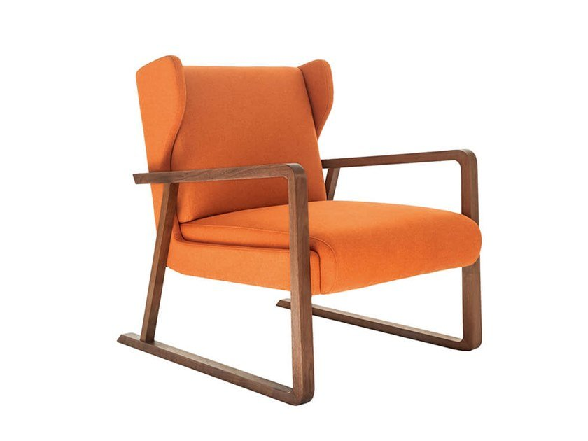 Sled base armchair with armrests REVO by HC28