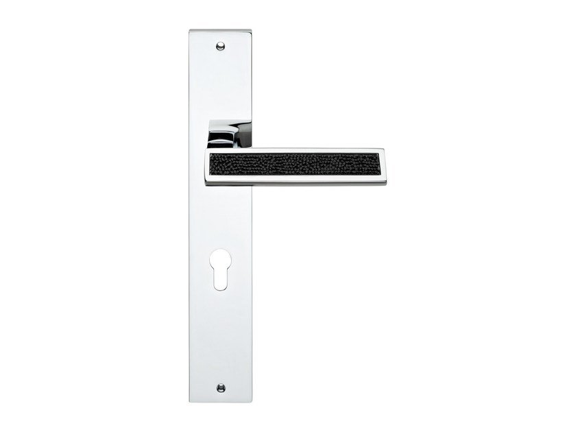 Contemporary style door handle with Swarovski® Crystals on back plate RIFLESSO ROCKS | Door handle on back plate by LINEA CALI'