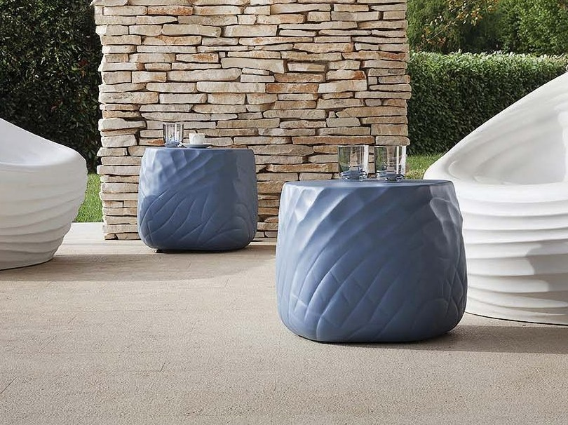 Polyurethane pouf / coffee table RIVER STONE | Coffee table by Tonon