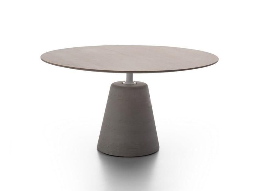 Tavolo rotondo in legno ROCK TABLE | Tavolo in legno by MDF Italia