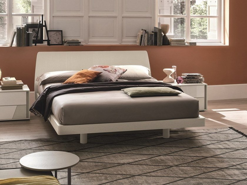 Lacquered double bed ROGER by Gruppo Tomasella