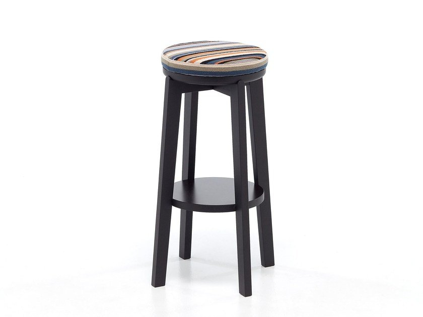 High oak stool with footrest ROND 06 by Very Wood
