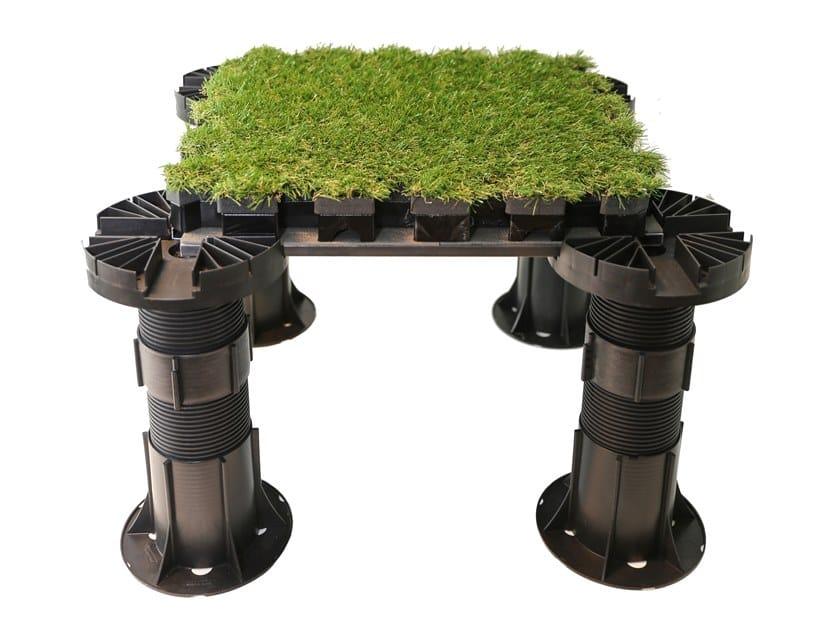 Pavimento modulare drenante con finitura in erba sintetica ROOFINGREEN NATURE DRAIN by Roofingreen