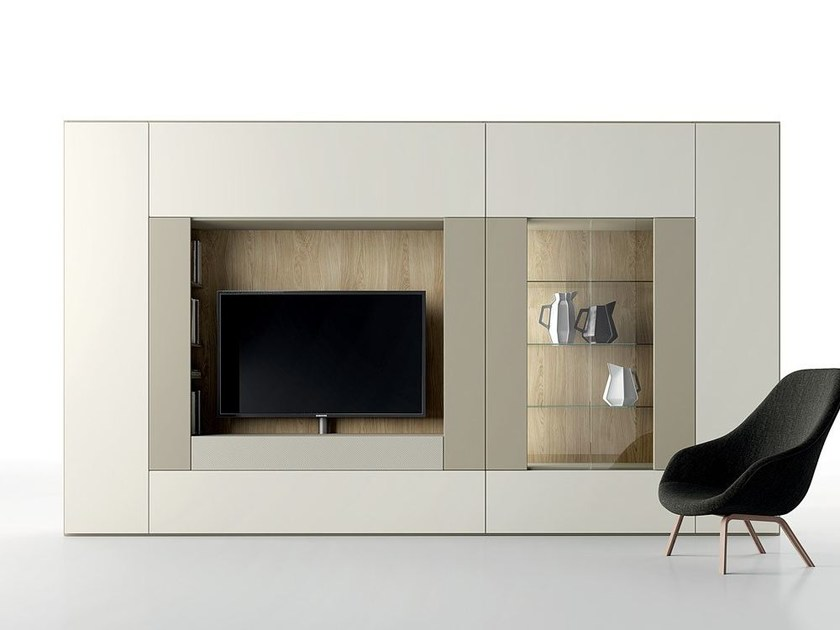 Contemporary style sectional lacquered TV wall system ROOMY | TV wall system by Caccaro