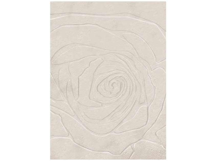 Solid-color rectangular wool rug ROSELYN by Duquesa & Malvada