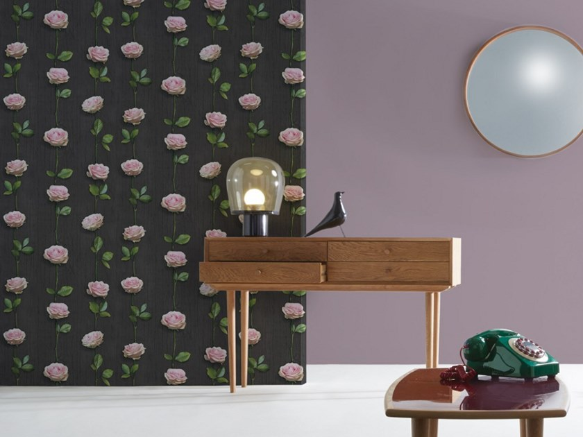 Wallpaper with floral pattern ROSES ON DARK WOOD by Koziel