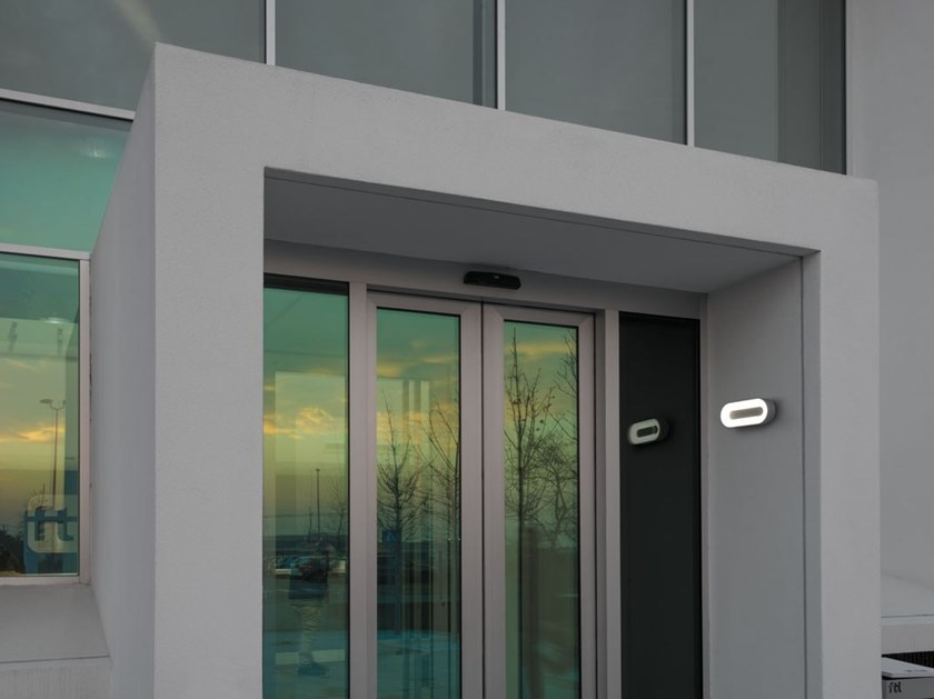 Plafoniera Da Esterno Lombardo : Applique per esterno a led luce diretta in policarbonato ross