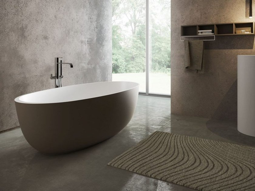 Freestanding oval bathtub ROUND by DISENIA