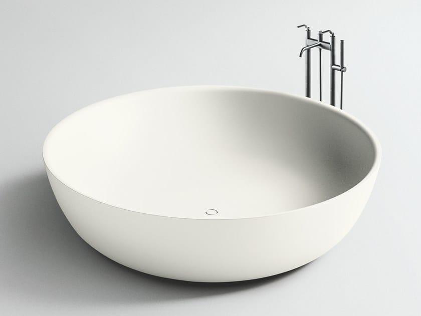 Vasca da bagno centro stanza rotonda in Corian® ROUND FISCHER by Boffi