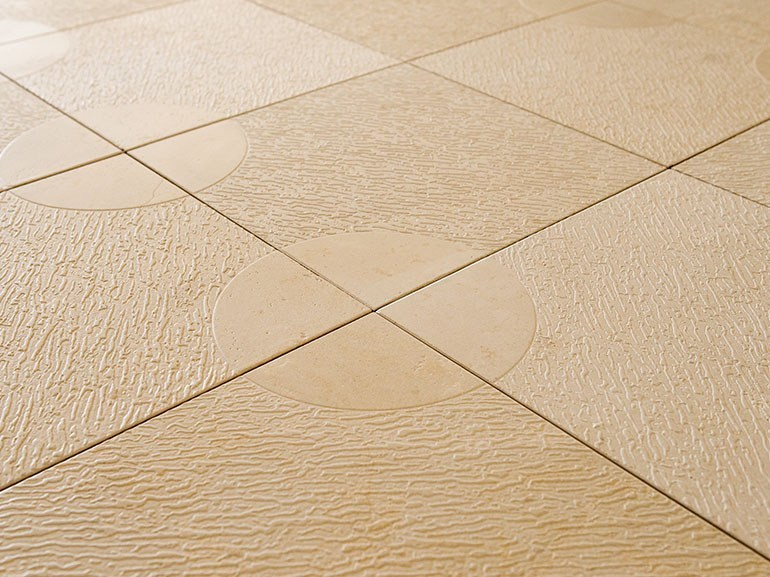 Pavimento In Pietra Di Trani : Pavimento in pietra di trani round piazza by lithos mosaico italia