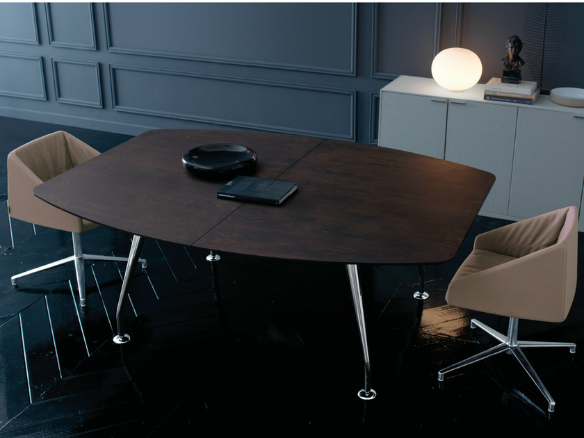 Extending modular leather meeting table ROUND | Meeting table by Quinti Sedute