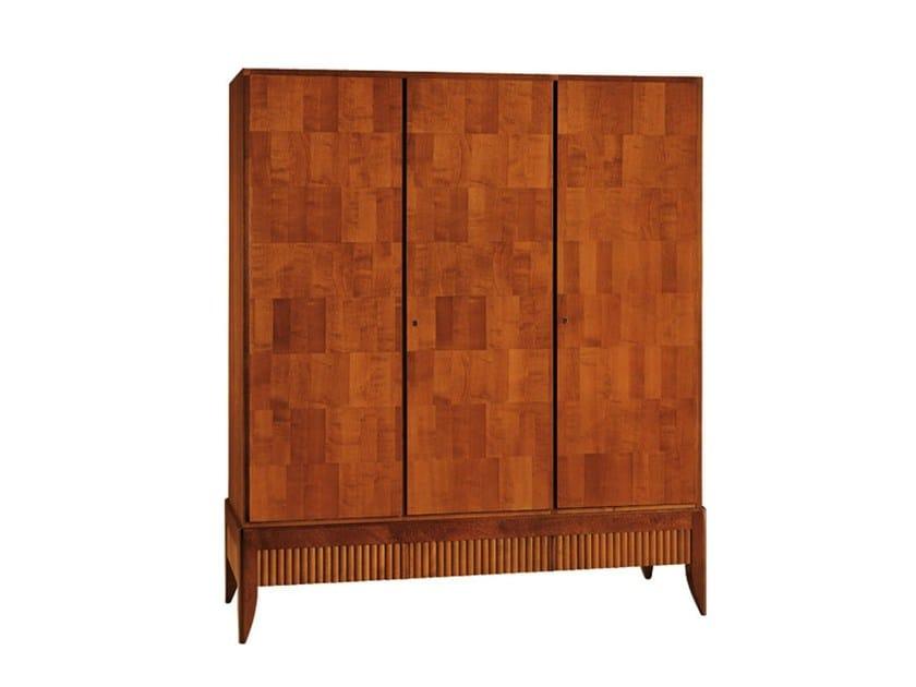 Cherry wood wardrobe '900 RULMAN   Wardrobe by Morelato