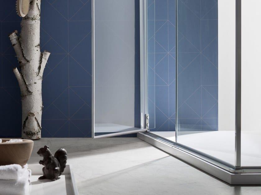 S6   Box doccia angolare L'anta battente pivot è ideale sia per docce di grandi dimensioni, sia per ottenere il massimo dagli spazi ridotti. Un sistema versatile e dal grande impatto estetico.