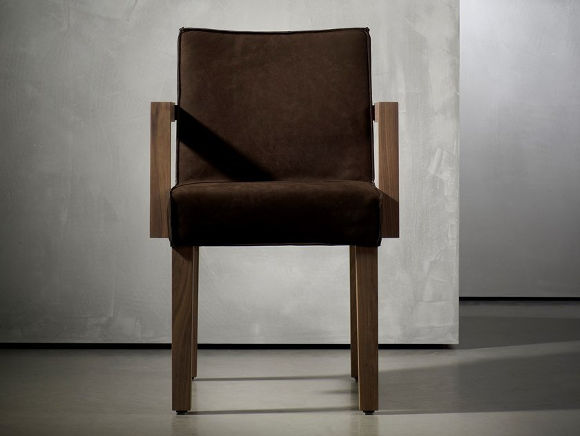 Upholstered chair with armrests SAAR | Chair with armrests by Piet Boon