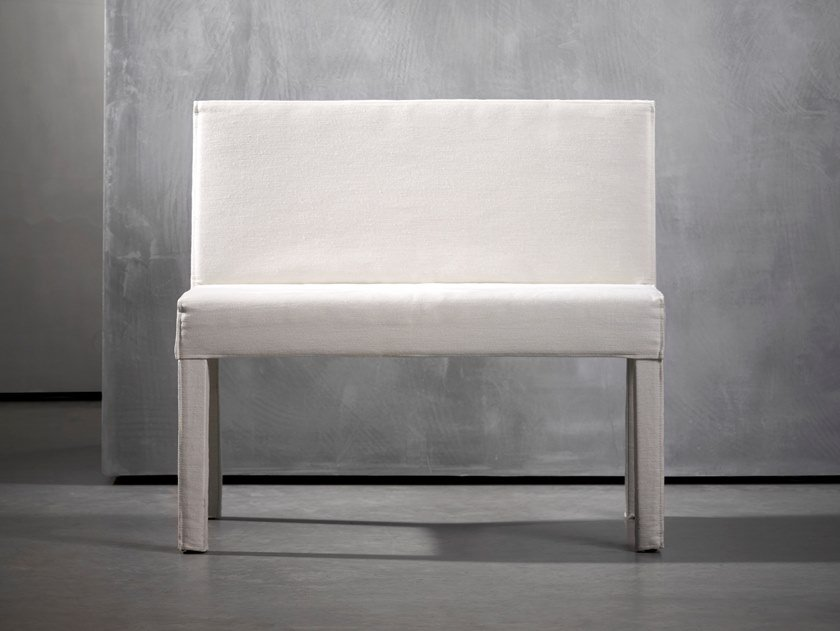 Upholstered easy chair SAAR | Easy chair by Piet Boon