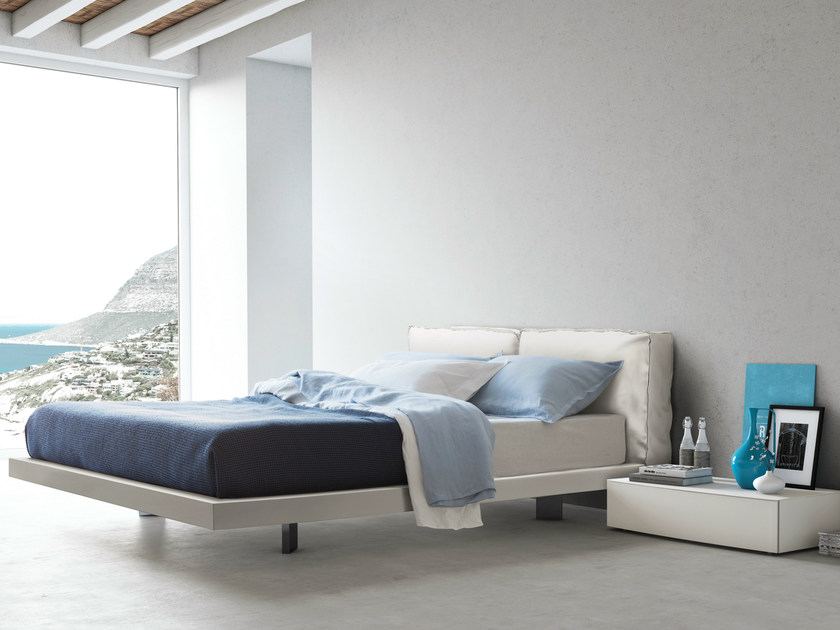 Upholstered leather double bed SACCO 014 by PIANCA