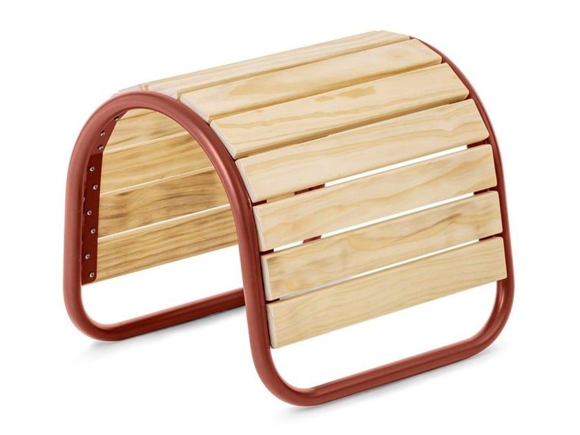 Accoya® wood garden footstool SADDLE AND TILTED BENCH | Garden footstool by Nola Industrier