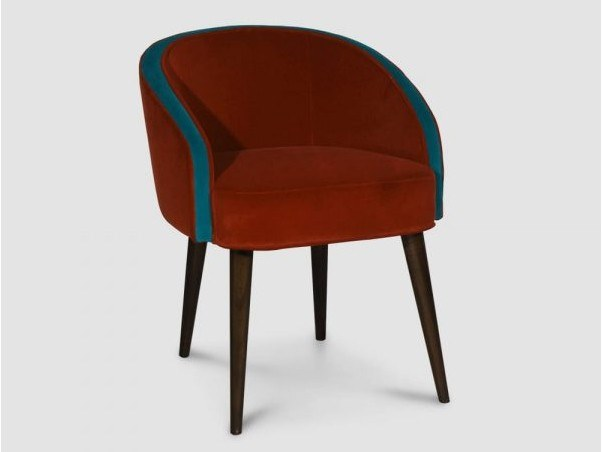 Upholstered velvet chair with armrests SALAMANCA by Emotional Projects