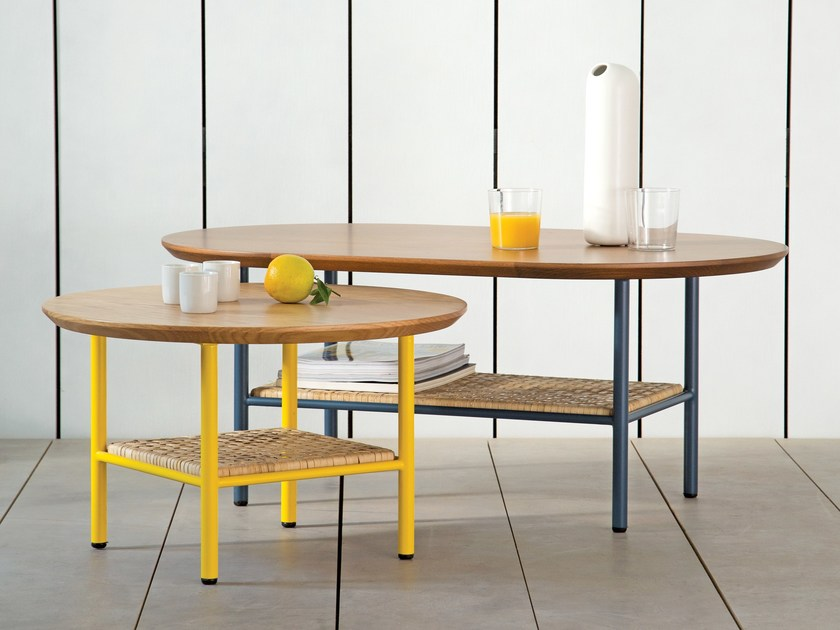 Round oak side table SALBE | Round coffee table by Kann Design