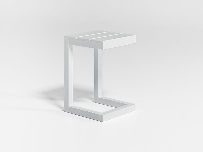 Square garden side table SALER | Side table by GANDIA BLASCO