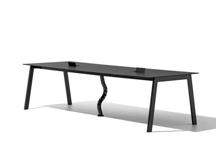 Rectangular office desk with cable management SALINERO 1003 by Metalmobil