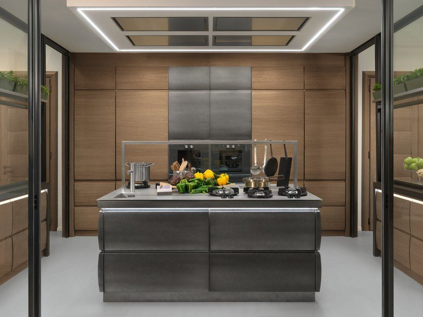 Oak kitchen with island SAM CRONOS by L'Ottocento