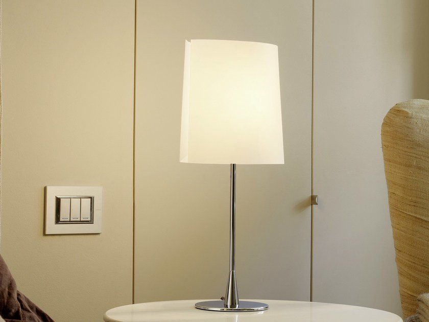 Polycarbonate table lamp SARA | Table lamp by FontanaArte