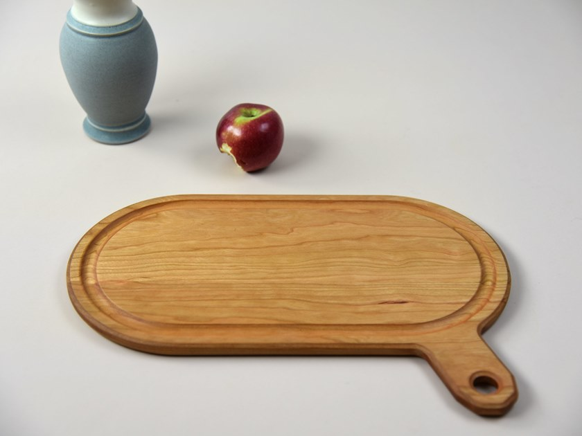 Oval wooden chopping board with chopping board SAY WHAT! by KHEM Studios
