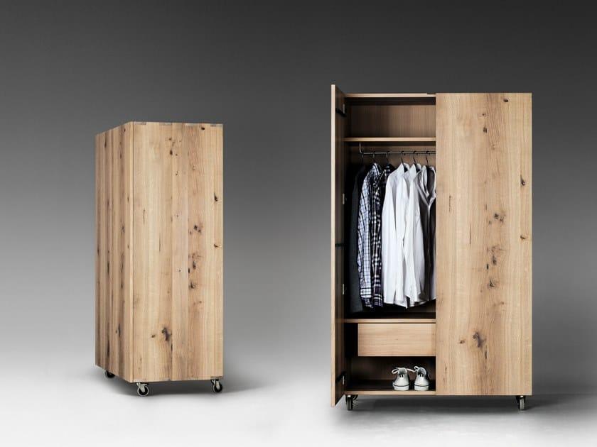 Kleiderschrank aus Holz SC49 | Kleiderschrank aus Holz by JANUA