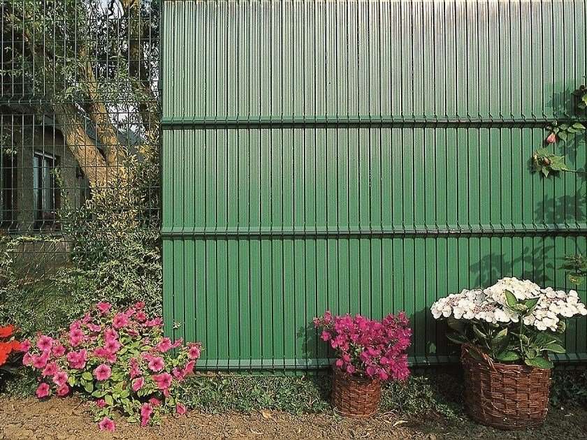 Steccato Per Giardino In Pvc : Recinzione paravista in pvc screeno® line betafence italia