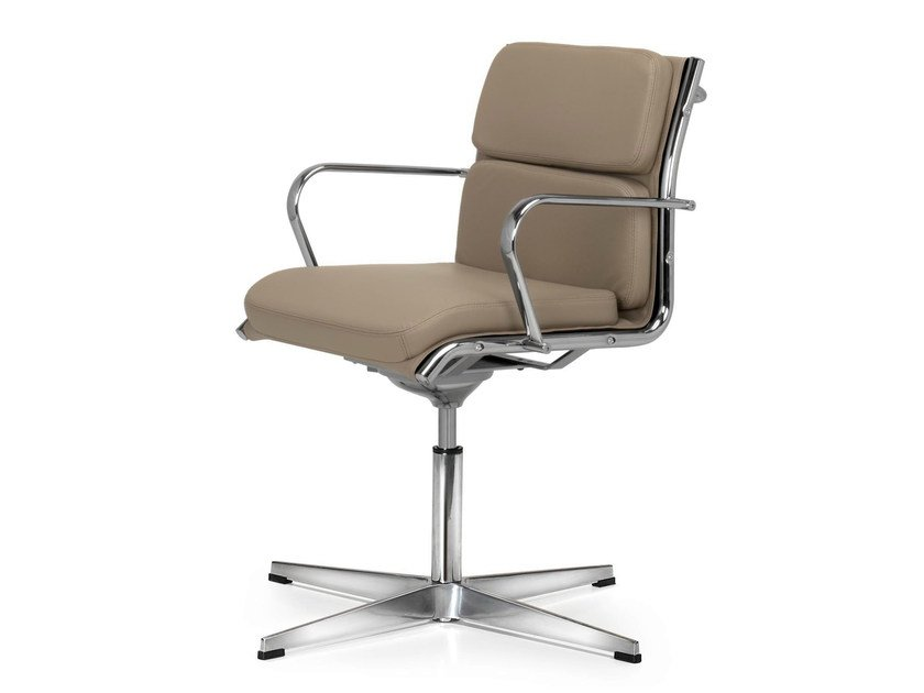 Height-adjustable swivel leather task chair with armrests SEASON COMFORT | Task chair by Quinti Sedute