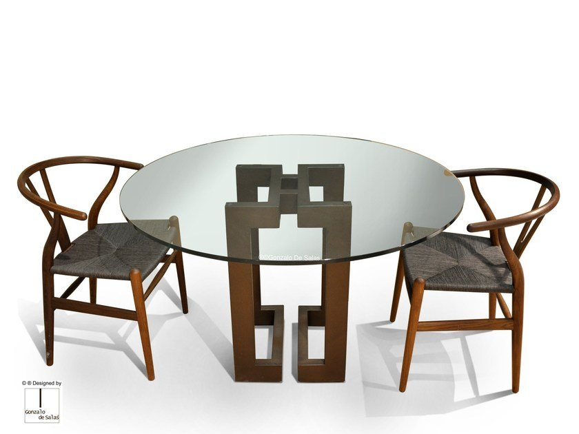 Round glass and iron dining table SENDAI | Round table by Gonzalo De Salas