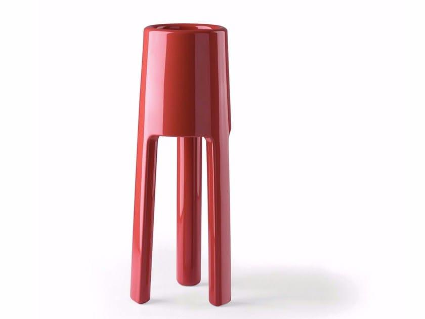 Polyethylene vase SEPIO by Plust