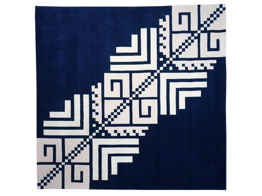Tappeto fatto a mano quadrato in lana a motivi geometrici SERENE by Dare to Rug