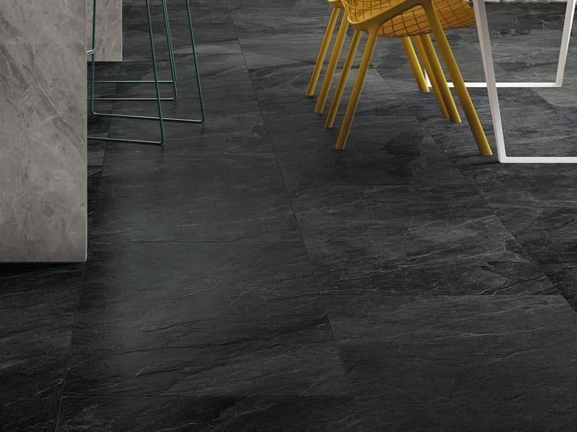 Pavimento/rivestimento in gres porcellanato effetto pietra SHALE Dark by Italgraniti